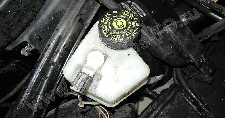 Замена тормозной жидкости мерседес gl Замена лампы габаритного фонаря срв
